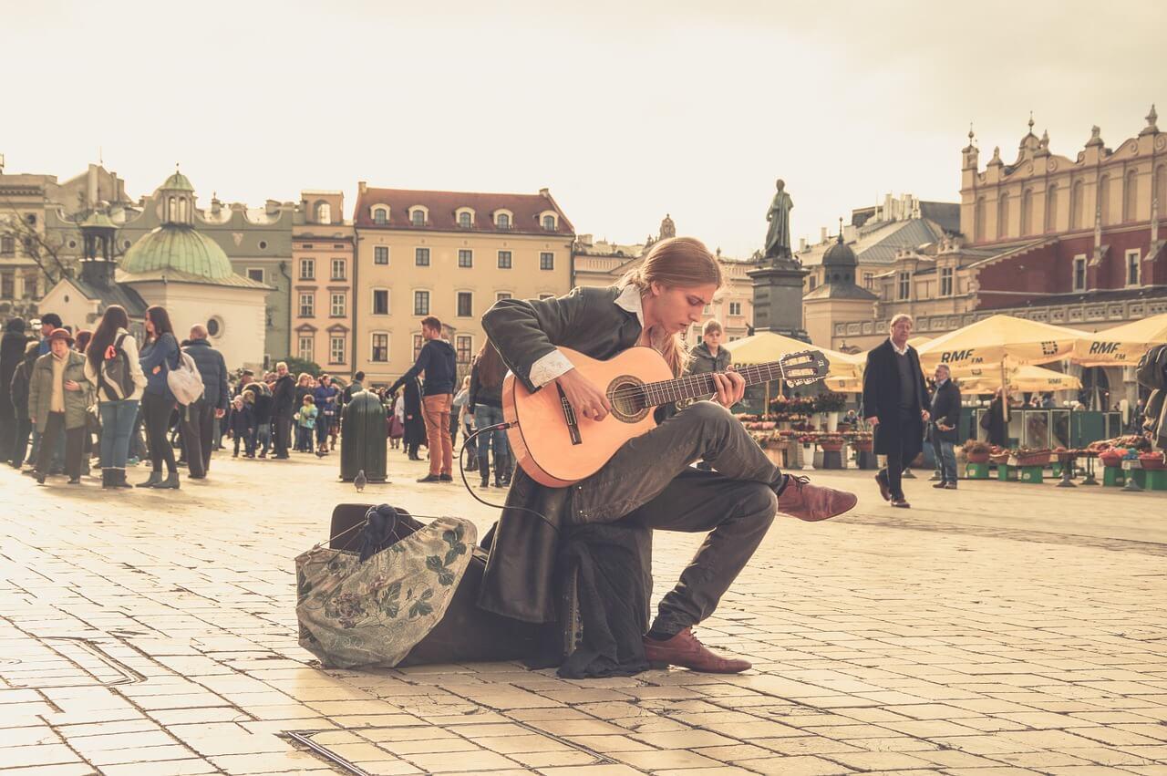 ulicni-muzicar